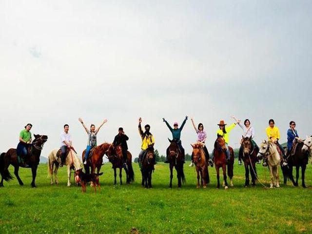 内蒙古游牧文化体验6日游