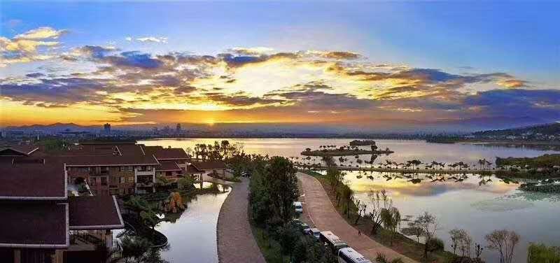 弥勒湖泉3.jpg